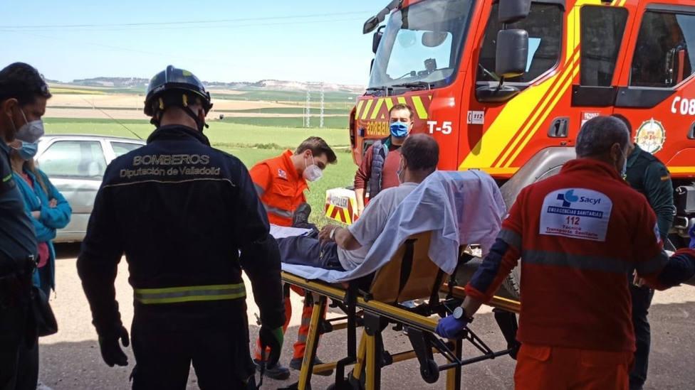 Rescatado tras engancharse con un clavo y quedar suspendido a una altura de 3 metros en Villalar (Valladolid)