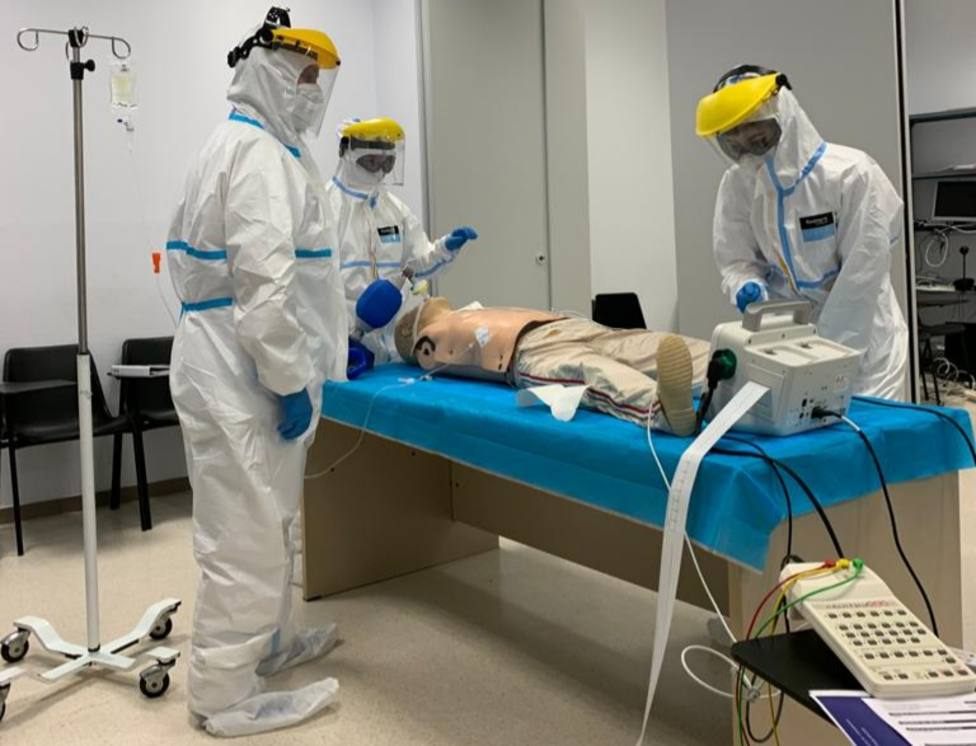 El Hospital de Poniente impulsa el primer curso de Soporte Vital Avanzado para pacientes COVID
