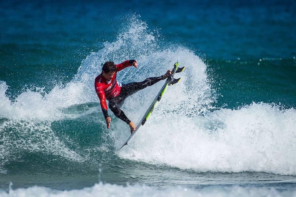 Gijón buscar captar un turista joven y ofrecer su potencial para los amantes del surf