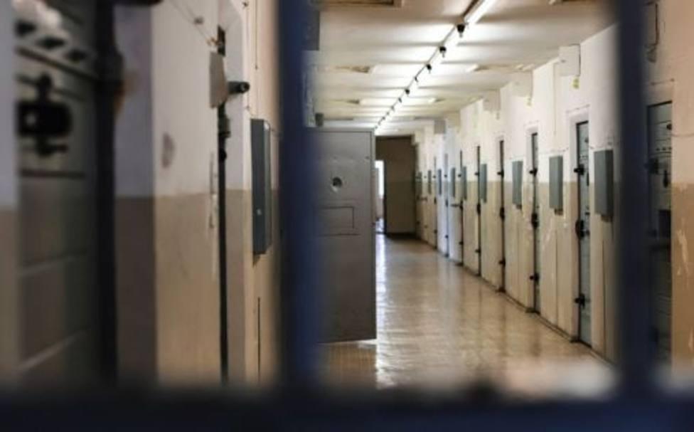 Dos presos de ETA serán trasladados desde la prisión de Logroño a la de Álava
