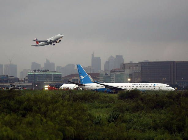 Un descuido de la tripulación genera varias hemorragias en los pasajeros de un avión