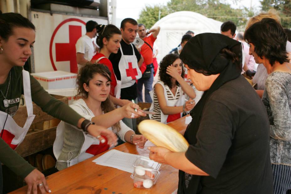 Banco de Alimentos y Cruz Roja repartirán 17 millones de kilos de alimentos