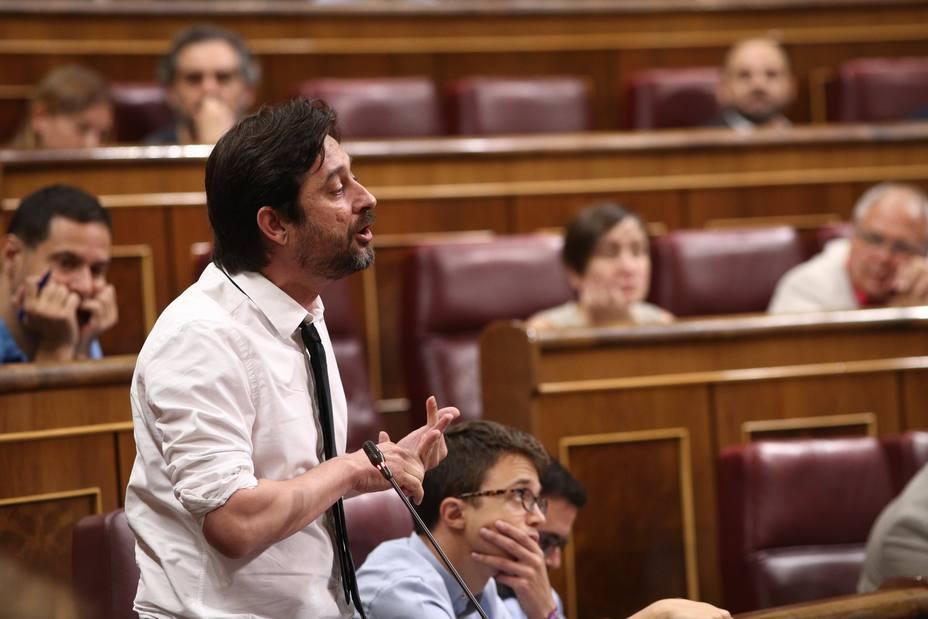 Sólo Unidos Podemos propuso en la nueva ley hipotecaria cargar al banco el impuesto de las hipotecas