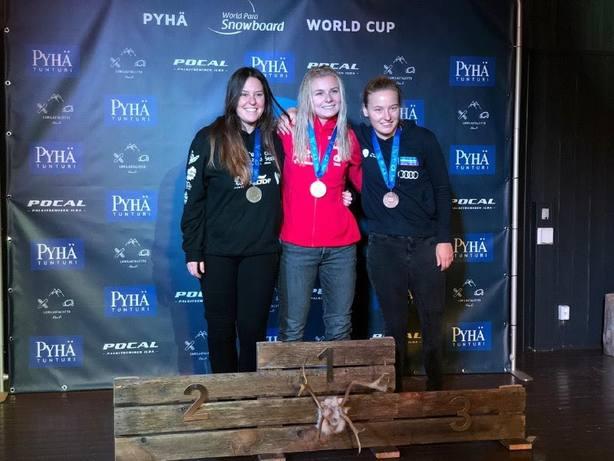 Astrid Fina se cuelga la medalla de plata en la Copa del Mundo de Phya