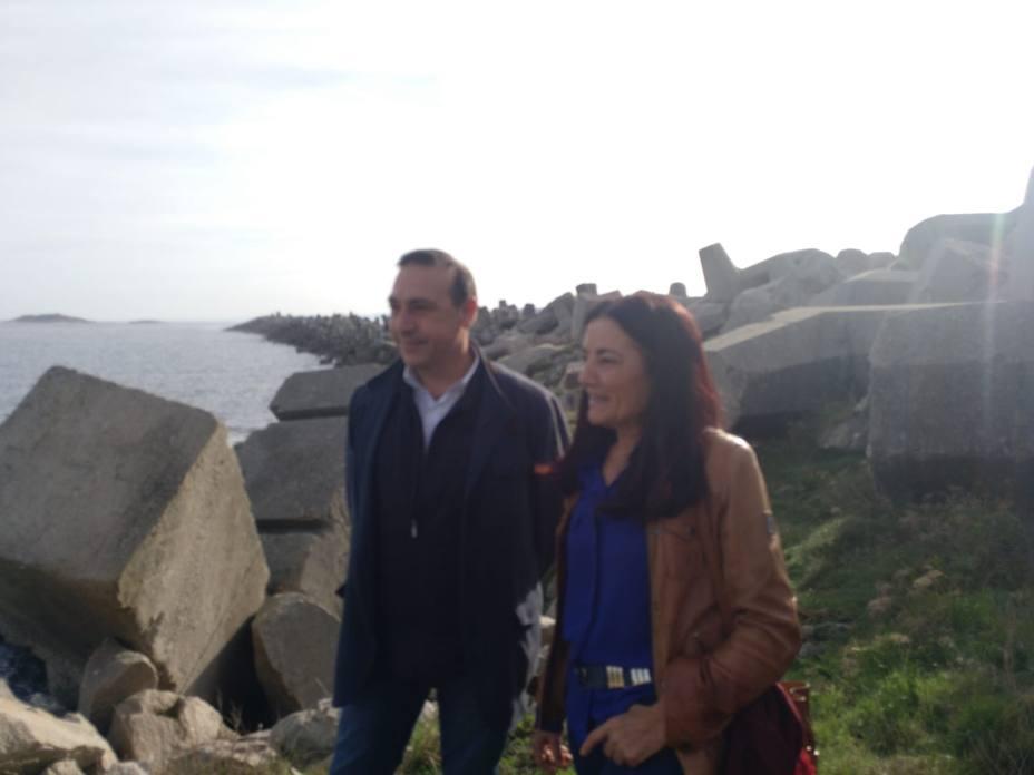 Costas inicia las obras de recuperación del puerto de las antiguas balleneras de Morás