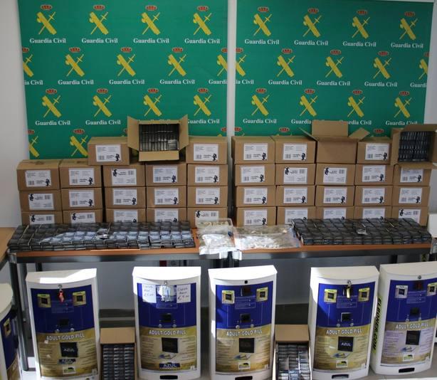 Detenido por distribuir potenciadores sexuales prohibidos en maquinas expendedoras de locales