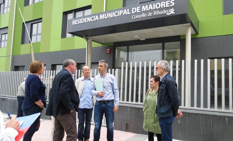 Alcalde y Presidente Diputación visitan residencia de mayores
