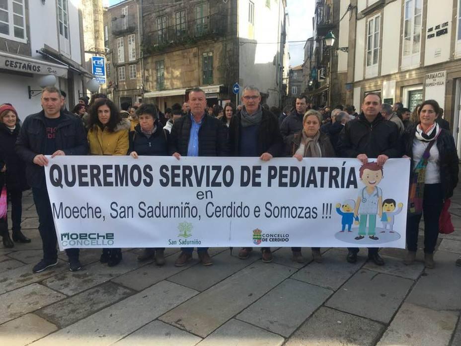 Los alcaldes y varios concejales también marcharon en manifestación