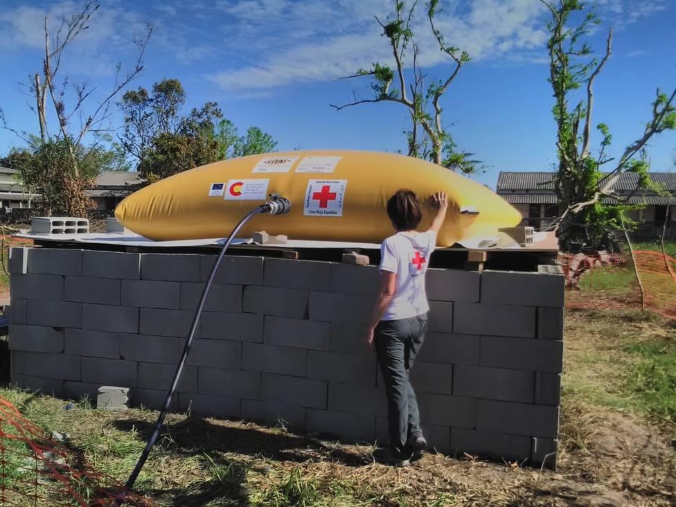 Cruz Roja distribuye más de 190.000 litros de agua segura a las personas afectadas por el ciclón Idai en Mozambique