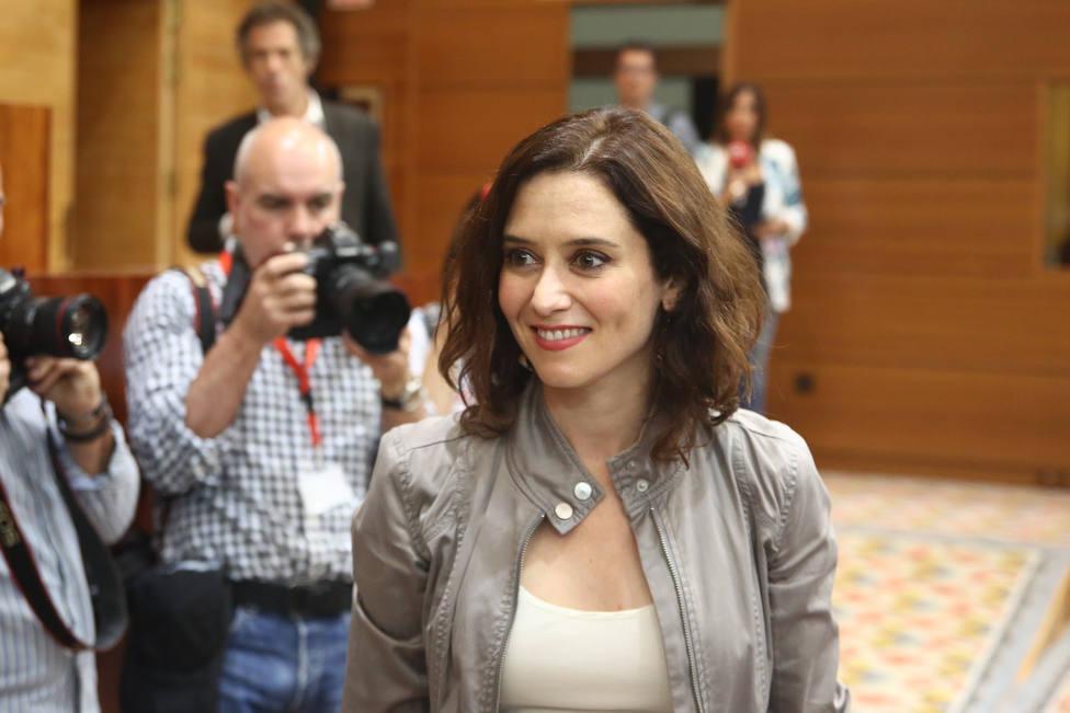 Díaz Ayuso será la portavoz del PP en la Asamblea de Madrid hasta que se forme gobierno y Serrano, el adjunto