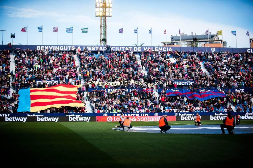 14.610 aficionados del Levante tendrán su abono gratis por haber asistido a todos los partidos en casa
