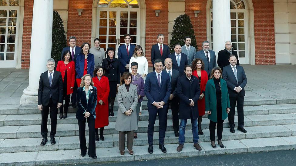 Tres ministros y una vicepresidenta de Sánchez estudiaron en centros concertados religiosos, entre ellos Celaá