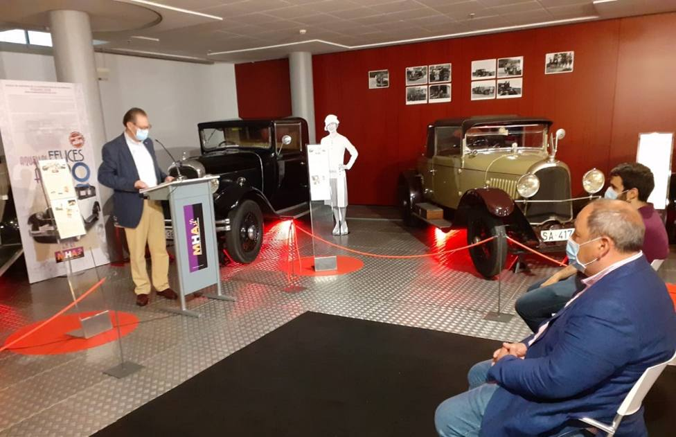 Presentación de la exposición sobre los automóviles de los años 20