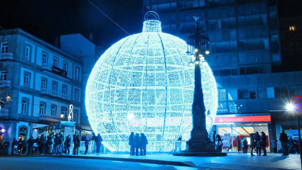 Vigo adelanta la instalación de sus luces de Navidad a agosto