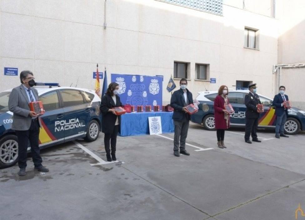Ciudad Real es la primera provincia de España en dotar a los coches de la Policía Nacional con desfibrilador