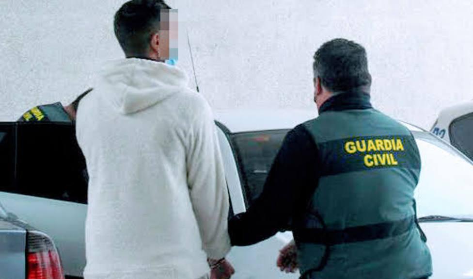 La Guardia Cívil detiene a tres oersonas como presuntos autores de numerosos robos en La Loma y Sierra Mágina