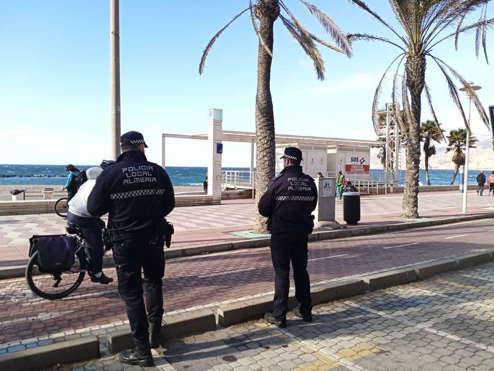 La Policía Local de Almería levanta 200 actas de denuncia en una semana por incumplir las medidas anticovid