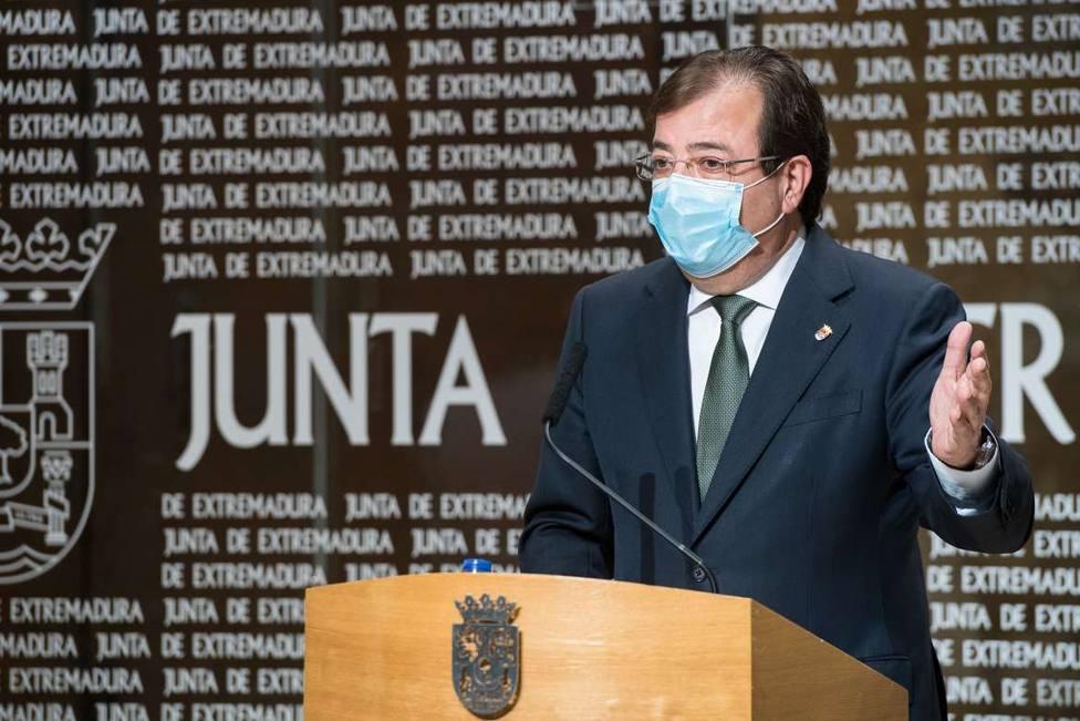Guillermo Fernández Vara, presidente de Extremadura, en rueda de prensa. Foto: Juntaex