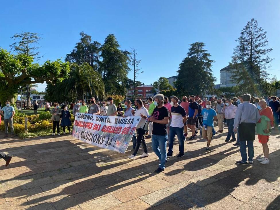 Movilización realizada hace unos días en As Pontes reclamando garantía de empleo - FOTO: Cedida