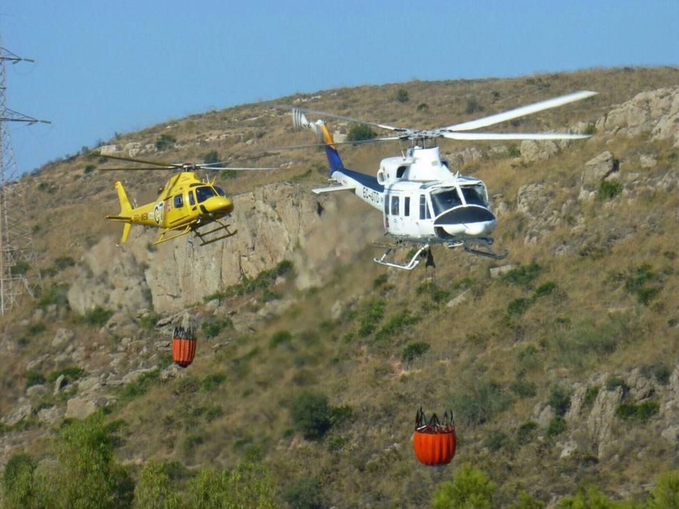 Movilizados más helicópteros y efectivos ante el incendio de la sierra de Gaena