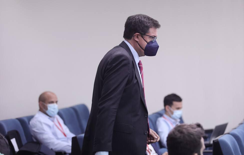 El día que Óscar López pasó de número 3 de Rubalcaba a dimitir por un escándalo el 8M