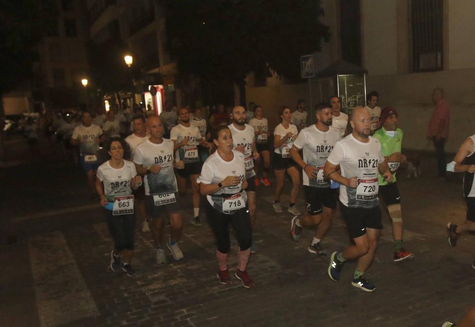 Mil runners se movieron por las calles de Córdoba al ritmo de la Night Running de Rock FM