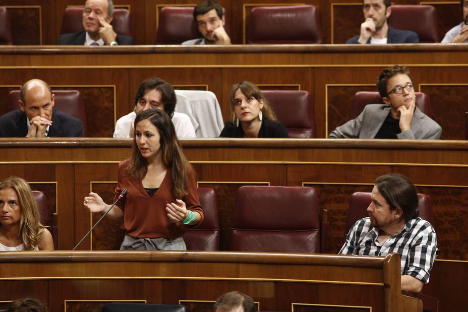 Podemos acusa al Gobierno de romper el espíritu de la moción de censura y degradar la democracia al mantener a Borrell