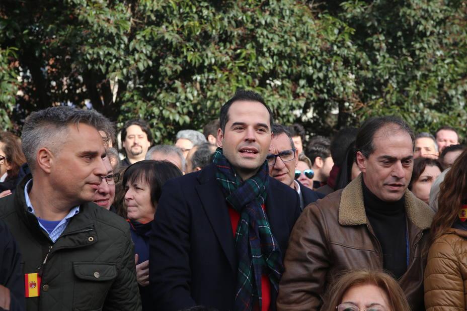 Aguado (Ciudadanos) no se siente incomodo de la foto con Vox en Colón y pide dejar a un lado complejos