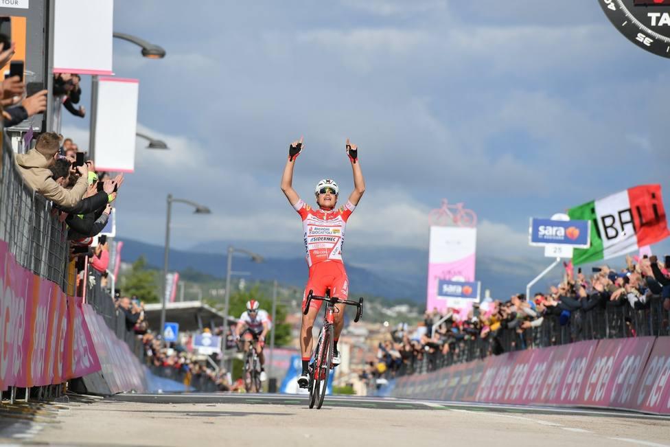 Ciclismo/Giro.- Masnada gana la etapa y Conti la maglia rosa desde la escapada