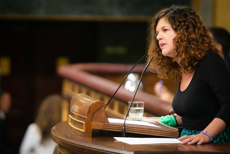 Sofía Castañón, de Unidas Podemos, promete su cargo en bable