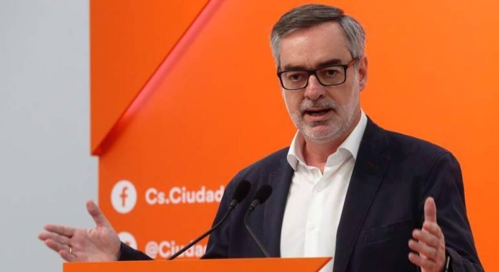 """Ciudadanos lamenta el """"juego de sillas"""" y Vox considera que a Sánchez se le acaban las excusas"""
