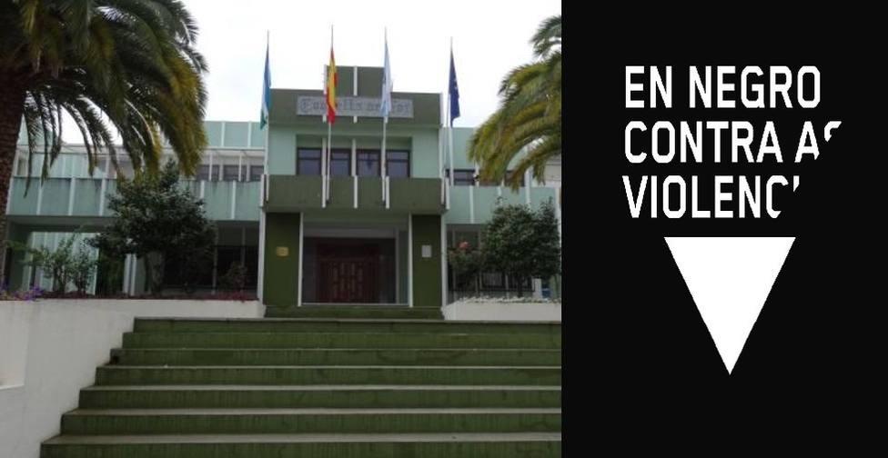 El Ayuntamiento focense se suma a la campaña En Negro contra as violencias