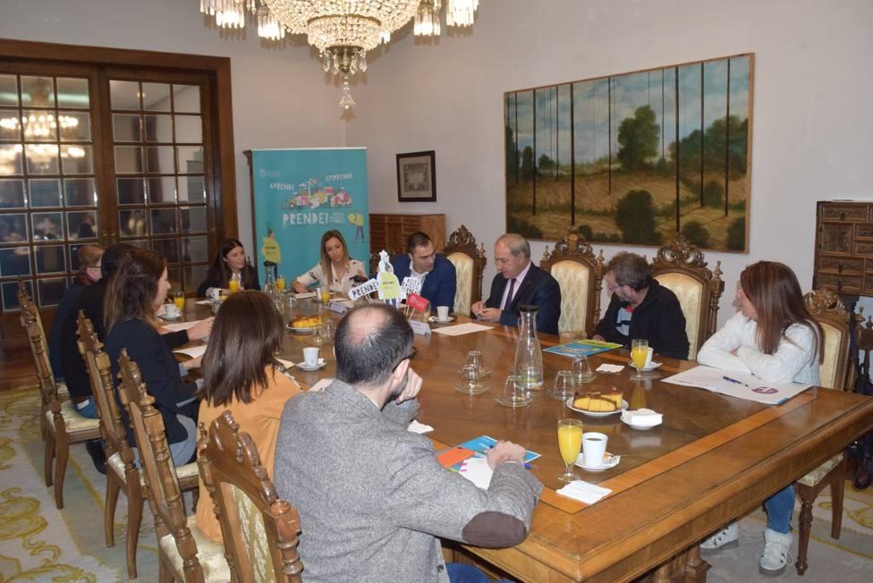 La Diputación de Lugo moviliza a la patronal para desarrollar un plan de empleo rural