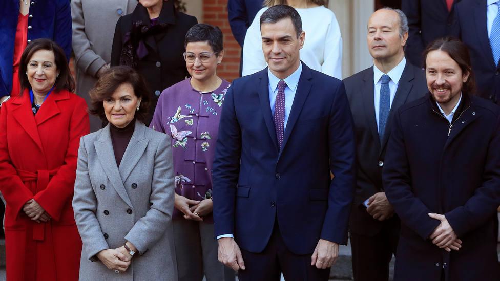 A los 22 ministros del Gobierno de Sánchez se añaden 30 secretarios de Estado: ¿quiénes son y cuánto cobran?