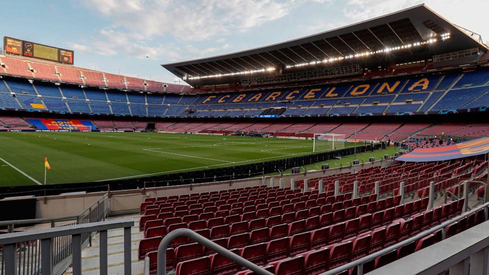 Imagen del Camp Nou, a puerta vacía. EFE