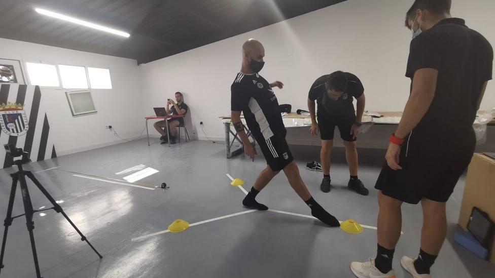jugadores entrenando