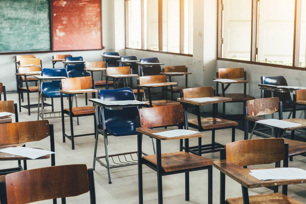 Cierran varias clases de colegio de Morón tras el positivo de un profesor
