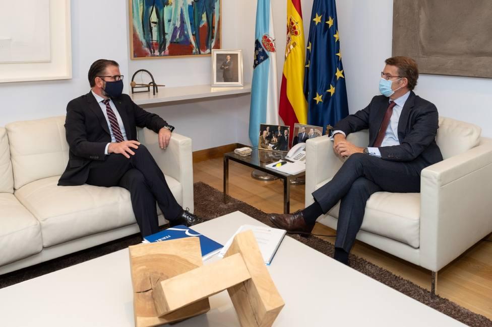 Mato y Núñez Feijóo durante el encuentro mantenido entre ambos en San Caetano - FOTO: Concello de Ferrol