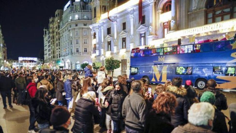 aglomeración plaza ayuntamiento
