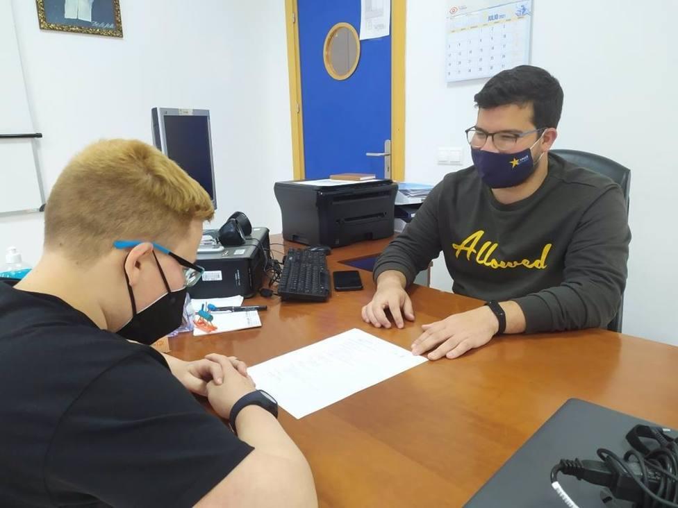 Córdoba.- Cajasur colabora con Estrella Azahara en el refuerzo educativo de jóvenes de Palmeras