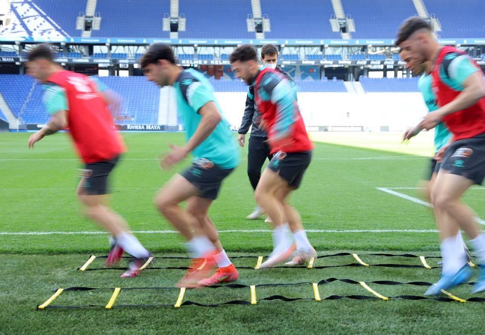 Vicente Moreno: Afrontamos el partido contra el Almería como una final