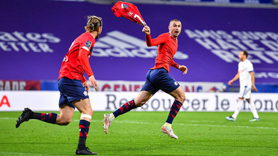 Burak Yilmaz mantiene líder al Lille