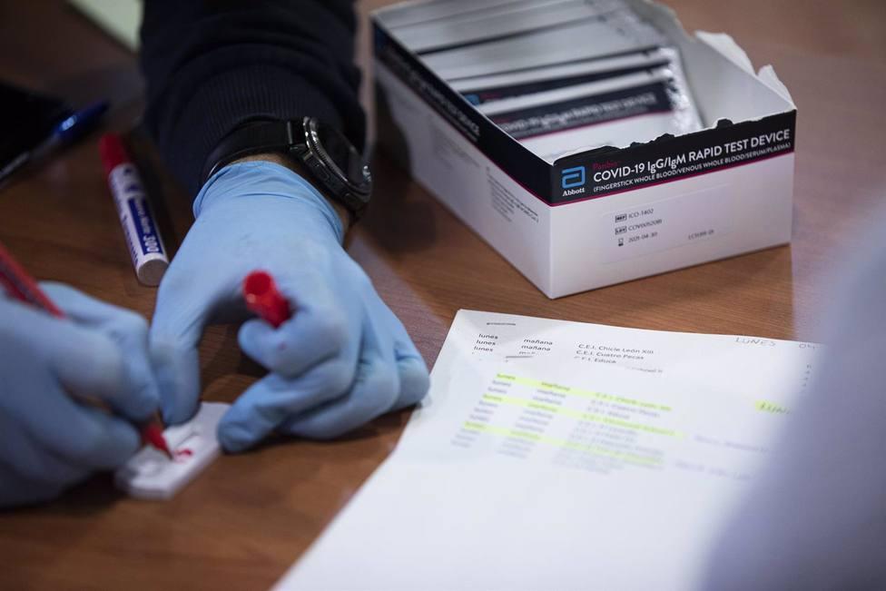 Un equipo médico investiga en Sevilla las complicaciones del Covid en pacientes trasplantados - Andalucía - COPE