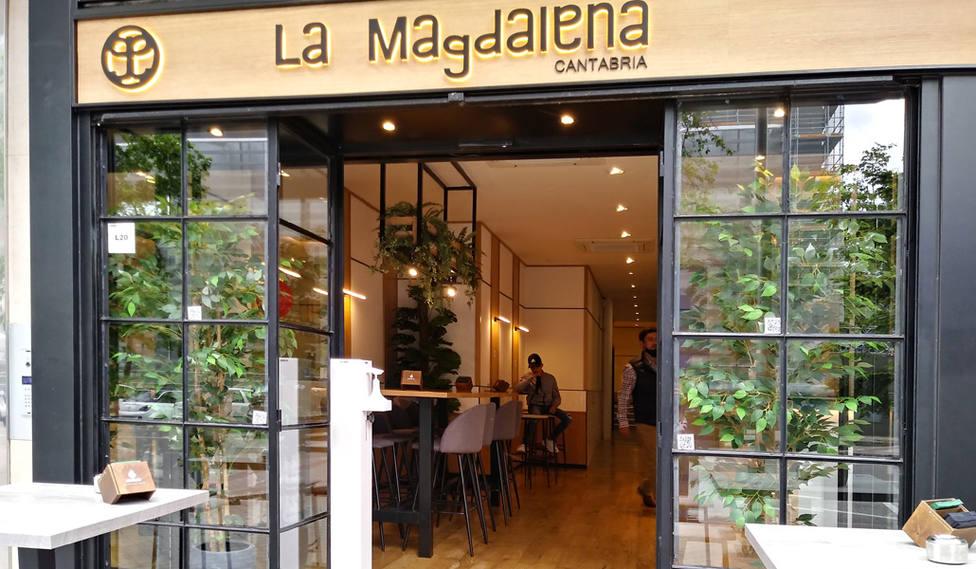 La historia del restaurante La Magdalena, un proyecto que da trabajo a jóvenes migrantes en Madrid