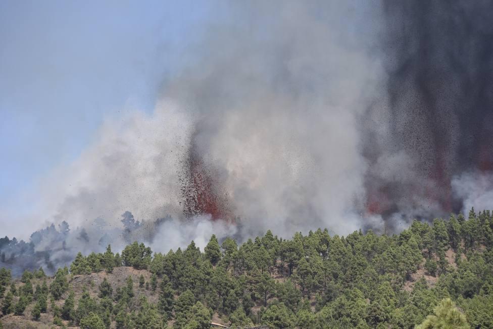 Comienza una erupción volcánica en la Cumbre Vieja de La Palma