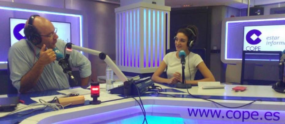 Leonor Lavado con Ángel Expósito en el estudio de La Tarde