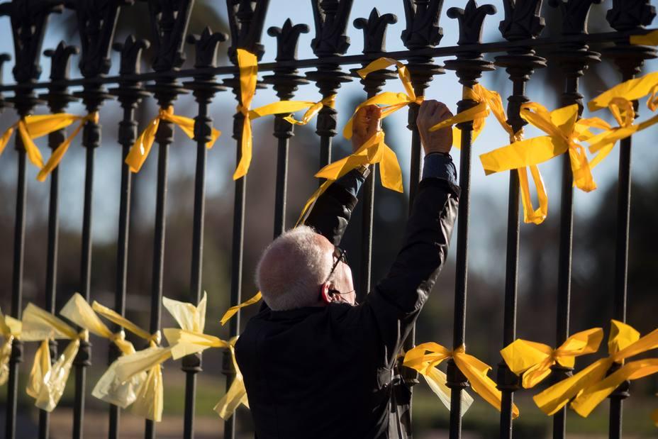 Torra y Marlaska hablarán en la Junta de Seguridad sobre los lazos amarillos