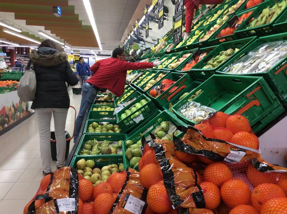 (AMP) La confianza del consumidor cae 1,6 puntos en noviembre tras empeorar la percepción actual y de futuro