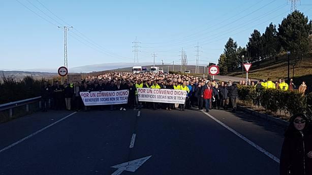 Manifestación por As Pontes reclamando un nuevo convenio para Endesa