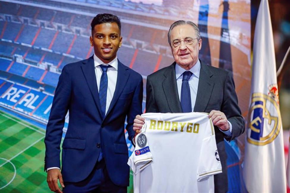 Rodrygo, junto a Florentino Pérez
